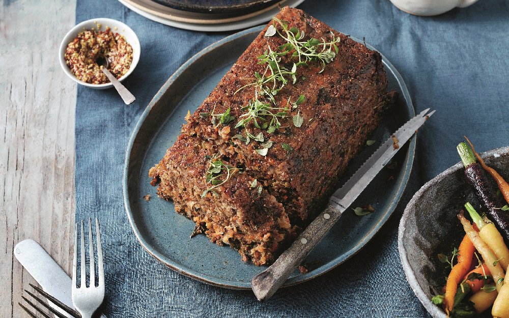 Fig and walnut stuffing loaf