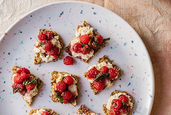 raspberries with broiled goat cheese